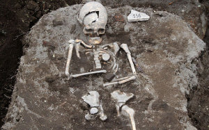 medieval-vampire-skelton