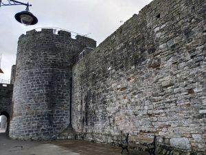 caernarfon walls